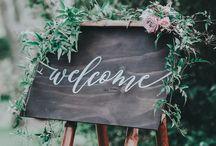 Signalétique mariage / Rien de mieux pour guider vos invités qu'un panneau personnalisé !