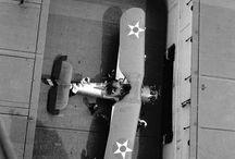 Aviones, aviones de combate, naves, naves de transporte aviones de guerra etc....