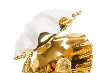 Фигурки и статуэтки из фарфора Vittorio Sabadin / Фигуры от Vittorio Sabadin изготавливаются вручную из оригинального фарфора Capodimonte и подвергаются обжигу при температуре 800°С. Росписью фигурок занимаются художники-профессионалы. При декорировании используется золото 24 карата, а также оригинальные кристаллы Сваровски и стразы из муранского стекла. Каждый этап производства фарфоровых фигурок контролируются самим Витторио.  #porcelain #figurines #statuettes #фарфор #фигурки  #статуэтки #Vittorio #Sabadin  #interior #watch #часы #интерьер