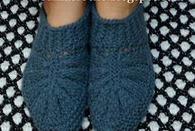 neulottuja sukkia