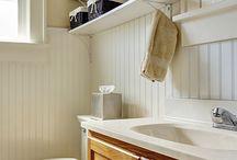 Banheiro pequeno I Decoração / Pouco espaço? Confira as dicas para organizar e decorar o banheiro pequeno! Veja mais em: zapemcasa.com.br