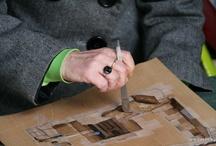 HECHO A MANO RECUPERANDO OFICIO / Esos oficios que han ido desapareciendo, en los que las manos acariaban los materiales hasta darles sentido de uso.