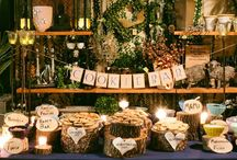 Wedding cookie & cupcake buffet / Sweet ideas for creating the perfect vintage or rustic cookie bar for your wedding.