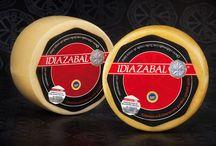 C.R.D.O.P. Queso Idiazabal / El queso Idiazabal se trata de un ques de leche cruda de oveja latxa y/o carranzana.  El queso esta curado mínimo 2 meses y presenta un tamaño pequeño o mediano, de uno a tres kilos, aunque puede ser comercializado en cuñas.