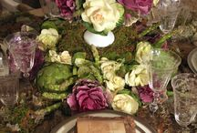 Holiday Table Settings / Beautiful Linens and Décor for your table