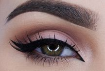 who doesn't love that perfect winged eyeliner!!?