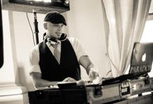 Paradox Productions Wedding DJ's - Portland, Oregon / A sneak peak of our pro turntable DJ's in action...