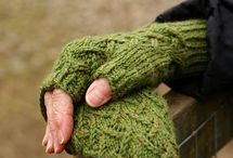 Knitting mittens & gloves