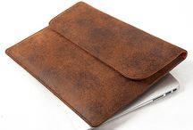 "3.7.6. Slim Envelope 13"" SCE12 (313499) / Old brown and orange natural leather, orange fabric inside Size (mm) 360 x 260 x 5 Fits MacBook Air 13"" or iPadPro www.376style.com"