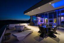 Garten- & Outdoormöbel / Moderne Garten- & Outdoormöbel für Terrassen und Balkone. Architektur und Designplanung mit LVNG360 by FLOW.