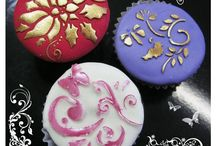 Cupcakes @labstencilchile / Te presentamos cupcakes decorados con nuestros stencil culinarios @labstencilchile