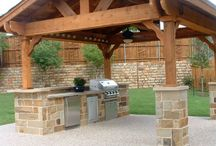 Outdoor Living Spaces / Outdoor kitchens and Living Spaces