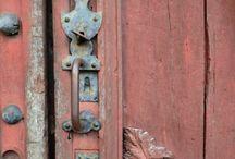 Ancienne porte , jolie patine ....