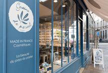 Boutique de Paris - Marais / Métro St Paul, près du musée Picasso, notre boutique parisienne installe son univers dans le quartier historique, vivant et cosmopolite du Marais. Graine de pastel Paris - Marais, 18 rue Pavée 75004 Paris