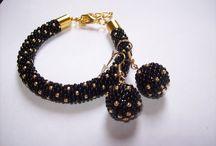 Biżuteria / Bransoletki, kolczyki, wisiorki. Wszystko tworzone ręcznie