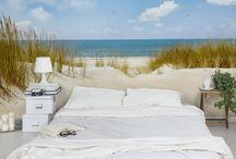 Sommerbilder | summer motifs / In der Luft liegt der Geruch des heißen Sommertags, Wärme umschmeichelt die Haut, die Nächte sind angenehm warm und locken nach draußen und wenn selbst der laue Regen die Menschen zum Lächeln bringt, dann ist er da - der #SOMMER! Wir bringen den #Sommerlook an Deine Wände! #Sommer #Sonne #Sonnenschein #Strand #Meer #Urlaub