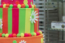 Birthday Cakes / Delight in three layers of cake paired with two generous layers of filling. DeEtta's uses real buttercream, offers a variety of flavors and fillings, and tailors everything — from taste to design — to your personal preferences.
