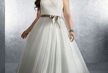 Plus Size Weddings Gowns / Plus size brides have more options than ever. Check out our Bridal & Beauty Issue http://bit.ly/1jSMDOK
