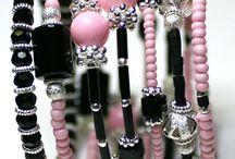 beaded memory wire bracelet 's