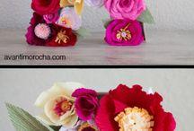 Papírové květy a výzdoba