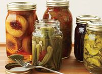 Summer Canning / all about canning and preserving summer fruits and veggies