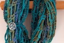 Handmade Holidays: Patterns to Knit, Crochet & Weave