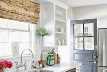 Kitchen / by Nikki Barnes