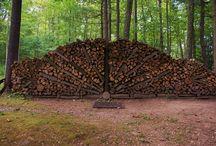 Ukladanie dreva.