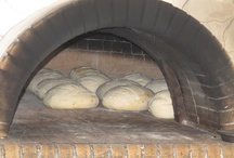 Home - made wood oven Pizza / How to create delicious home made pizzas in a wood oven