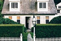 Home Exteriors to Love / by Amy Jo Bland