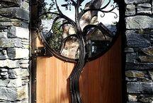 unique gates
