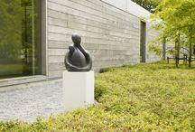 Mieke Deweerdt: Beelden Brons / Een ruime collectie bronzen beelden van de Vlaamse kunstenares Mieke Deweerdt die zowel binnen als buiten kunnen geplaatst worden. De sculpturen zijn telkens gelimiteerde oplages, getekend en genummerd en zorgen gegarandeerd voor een kunstzinnige blikvanger in uw interieur of tuin.