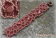 браслеты: расшивка, плетение и пр.