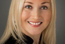 CX Headshots Women / Professional headshots of women & commercial photography.