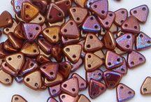 CzechMate 2-Hole Triangle Beads