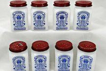 Vintage Spice Jars and Racks / Vintage Spice Jars and Racks