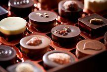Les Chocolats Maison Caffet / C'est avec grand plaisir que Pascal Caffet vous propose une nouvelle collection de bonbons de chocolat, intenses et savoureux.