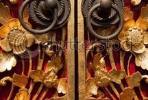 doors, portals, doorbells, doorknobs / by Judith Lombardi