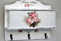 DECOUPAGE HANGER AND WOOD  PLAQUE