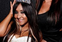 Celebrities / by Noelle Ware