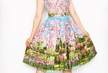 <3 dresses / by Victoria Hackland
