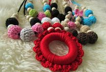 Pieniä hetkiä / Crochet babywearing and breastfeeding necklace, amigurumi and anything I have made!