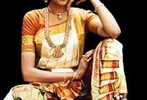 Bharatanatyam / A very traditional South Indian dance, available at SITA on Tuesdays at 6.30 pm !