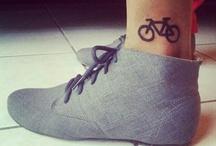Shoes / by Chloé Trumble