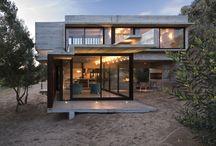Concreto | Casas / O concreto aparente continua oferece diversas vantagens aos projetos arquitetônicos. Seu grande charme está nos contrastes e na versatilidade. Inspire-se.