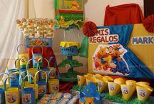 Piñateria, artículos y detalles artesanales y personalizados para eventos. / Piñatas, centros de mesa, soportes de cup cake, colistas, invitaciones, caja para regalos, Candy bar, chocolatinas de recuerdos.