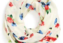 Женские головные уборы, шарфы, платки.