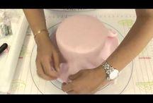 couvrir un gateau de pate a sucre