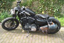 Harley Davidson Sportsters / Sportster rule, blowing away Big Twins since 1957