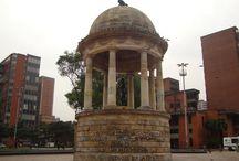 Un Día Después de la Marcha / Después de las Marchas Estudiantiles contra la Ley 30, la MANE compuesta por los estudiantes de las universidades públicas y privadas salieron a protestar, sin embargo, nuestra querida Bogotá fue victima de algunos vándalos que maltrataron varios sitios históricos. / by Fundación Bogotá Mía
